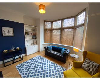 Beautiful modern Hoole ground floor apartment - Lounge 1