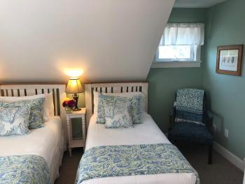 304: Hyde Room