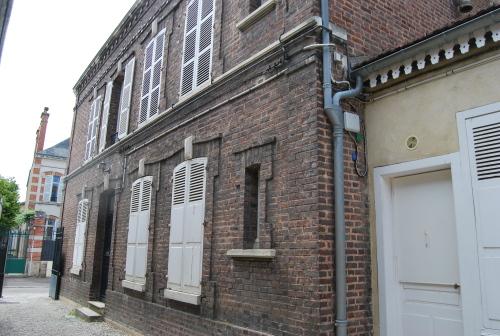 Studio-Douche-Vue sur la cour