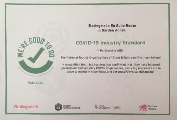 Basingstoke En Suite Room in Garden Annex - Covid-19 Industry Standard Certificate