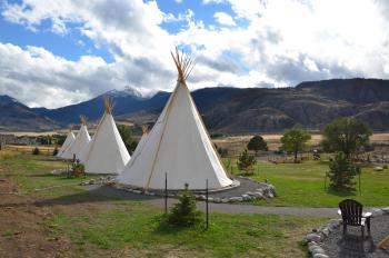 Tipi-Family-Shared Bathroom-Mountain View-Tipi- 1King 2 Twins