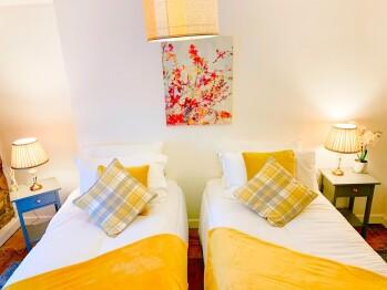 Nightingale Cottage - double bedroom