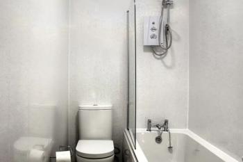 Apartment-Private Bathroom-City View - Base Rate