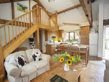 Cow Byre 2 Lounge and Kitchen