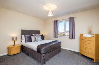 Spacious King En-Suite with City Views
