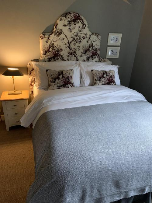 Double room-Deluxe-Ensuite with Shower-Countryside view-Room 4 & 5