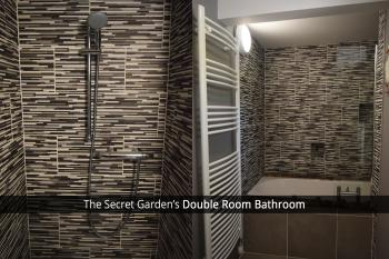 The Secret Garden Double Room Bathroom with Jacuzzi