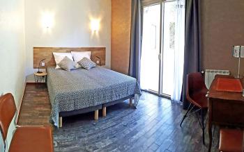 Chambre vintage, lits doubles 160 x 200 cm ou séparables