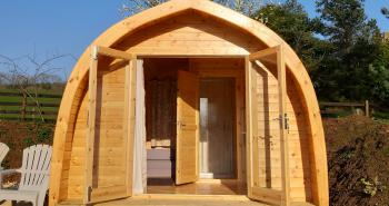 Cosy glamping near Broadway Cotswolds