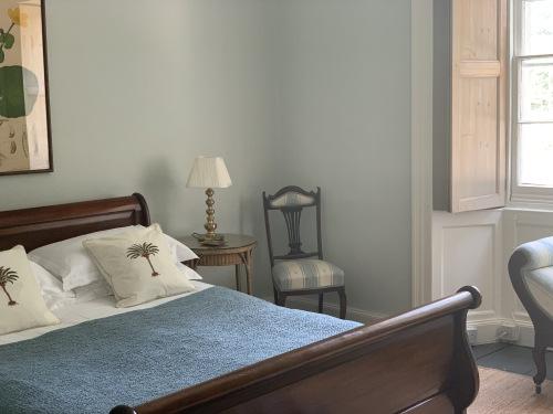 Junior Suite-Romantic-Ensuite with Bath-Garden View - Base Rate