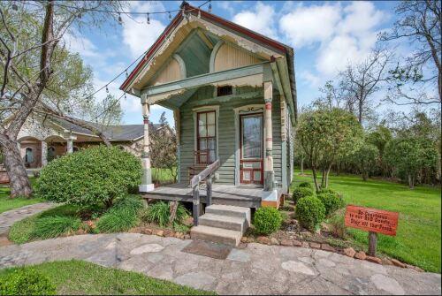 Cottage-Ensuite-Standard-Victorian Tulip
