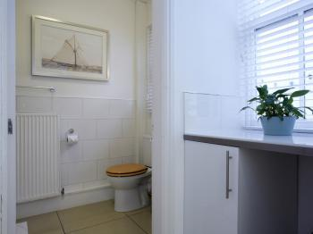 Bathroom Flat 1