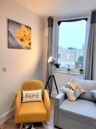 Mission Wave - Venture Apartment - Living Room Sunshine