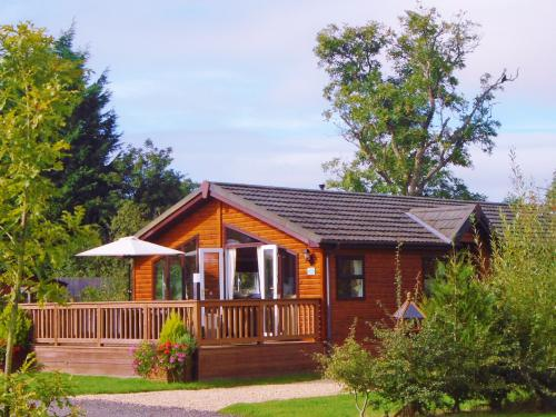 Lodge-Luxury-Private Bathroom-Garden View-Abbey Lodge - Base Rate