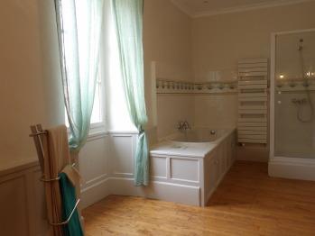 Salle de bain de la chambre Lina