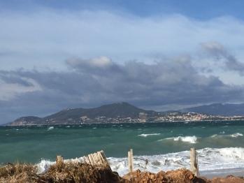 L'Almanarre, plage mythique pour les planchistes et kiters