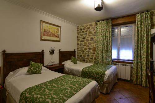 Habitacion Doble -Estandar con dos camas-Baño con Ducha-11