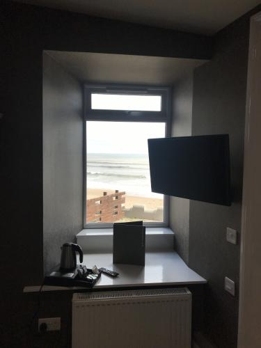 Double room-Premier-Ensuite with Shower-Sea View-Room 10 - Base Rate