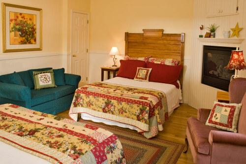 Victorian Room (2 Queens)-Ensuite-Quad room