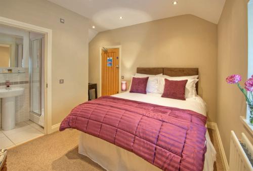 Classic Room 5 - En-Suite (Room Only)