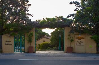 Le Pavillon de Pampelonne - Main Entrance from the road