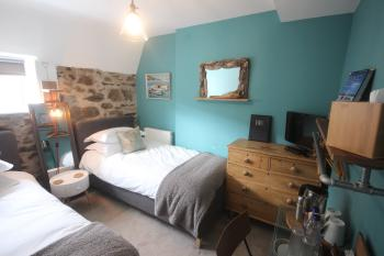 Twin room-Ensuite-Cosy