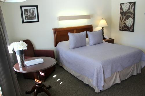 07 -1 Queen size bed-Single room-Queen-Ensuite - Base Rate