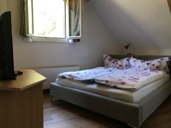 Familienzimmer mit Du/ WC/ TV / seperater Raum für Kids mit Doppelstockbett
