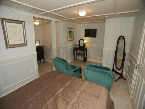 Manor Queen Lower Level 1-Double room-Ensuite-Superior - Base Rate