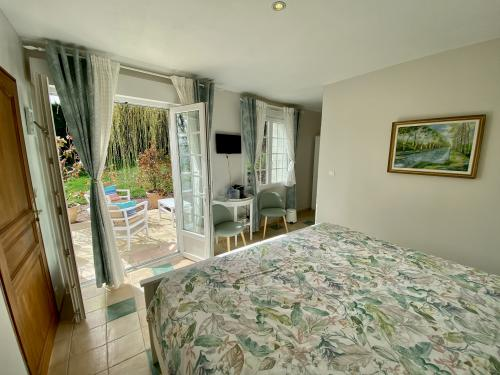 Claude Monet room with Te-Twin room-Deluxe-Ensuite with Shower-Terrace - Base Rate