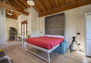 cama abatible en salón, apartamento III, imagen