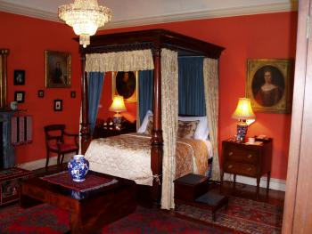 Speaker Foster's 4-poster bedroom