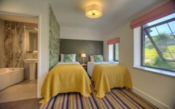 Twin Room (Premium)