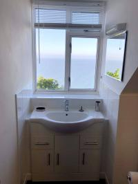 Penthouse Self-catering Apartment Ensuite with Sea View