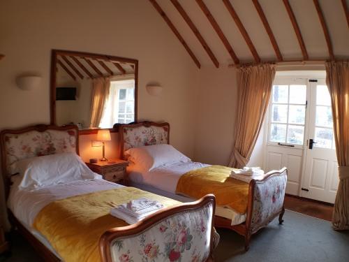 Twin room-Ensuite-Garden Room - Base Rate