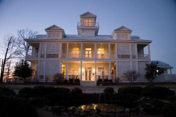 The Lodge on Gorham's Bluff -