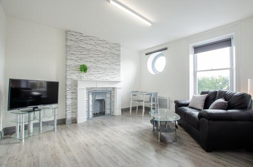 Apartment-Private Bathroom-Harbour View-Apartment c