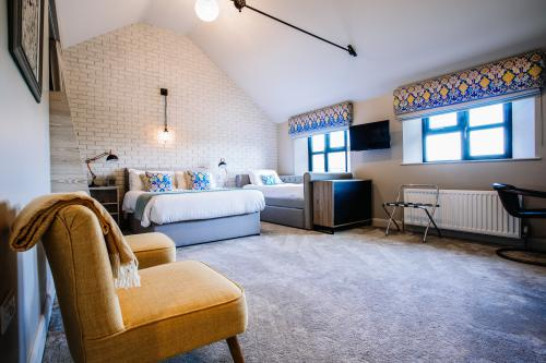 Family-Ensuite-The Pantridge Room - Room Only