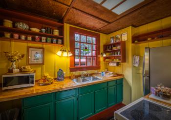 Kitchen, view 02