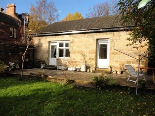 Bungalow-Cottage-Ensuite with Bath-Garden View-Coach house  Sydenham Roa