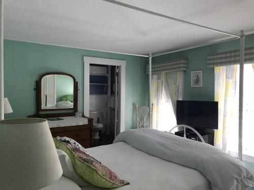 Jerry Room 202