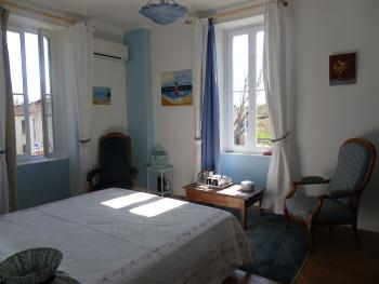 Double-Supérieure-Salle de bain Privée-Vue sur Jardin-Bleue - Tarif de base