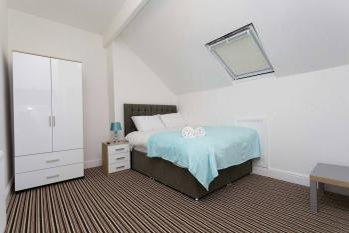 Studio-Apartment-Private Bathroom - Base Rate