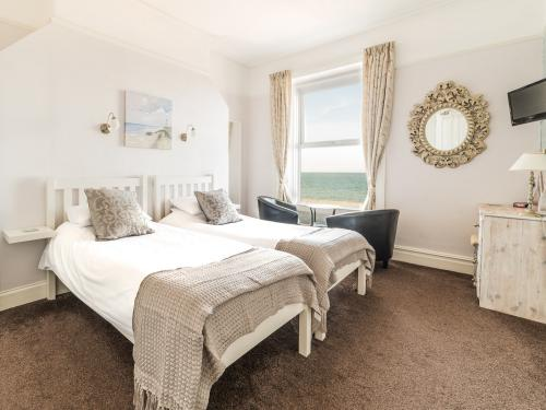 Sea View Twin Ensuite - First Floor