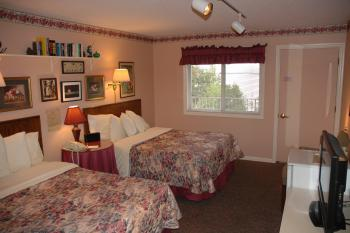Winfield Inn Double Rooms-Double room-Private Bathroom-Lake View