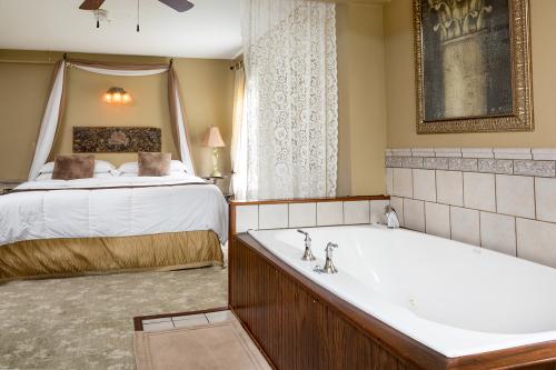 Estella Suite Room 7.