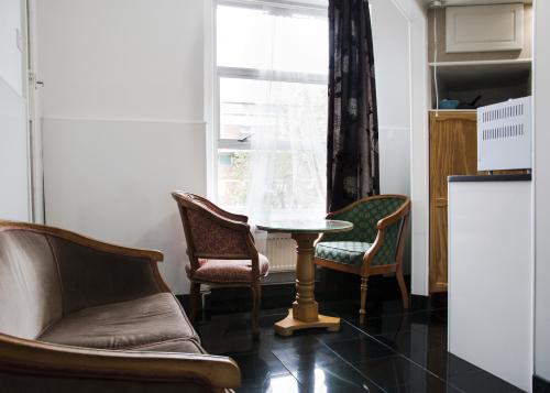 Apartment-Private Bathroom-Studio Flat 8