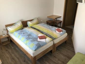 Doppelzimmer mit /Du/WC/TV/ Couch