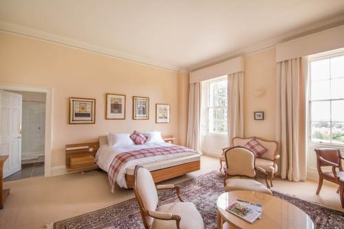 Luxury Mansion Room