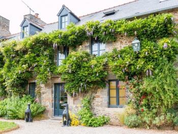 Salamandre Cottage -
